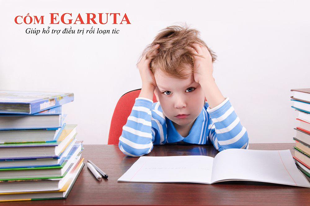 Trẻ rối loạn tic có thể gặp nhiều khó khăn trong học tập